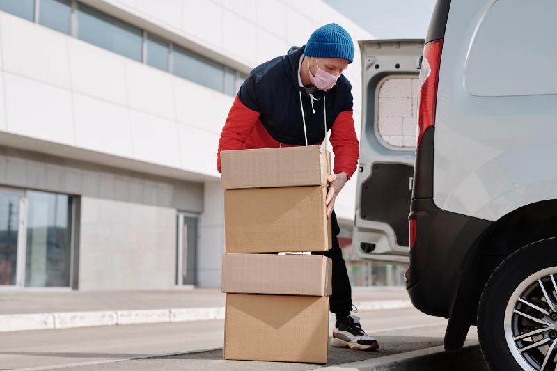 חברות משלוחי חבילות לעסקים